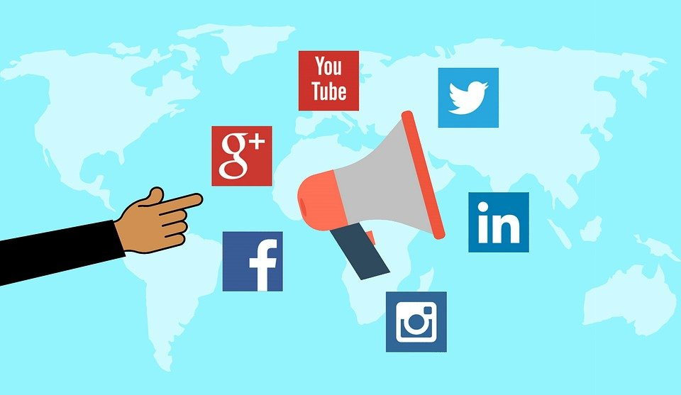 Social Media Marketing Features You Need to Take Advantage Of